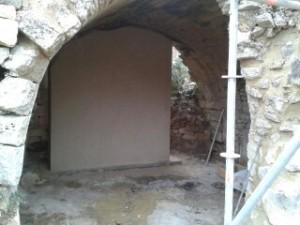 Consolidation de la voute par un mur  Stabilisant ainsi le mur renaissance de l'étage supérieur